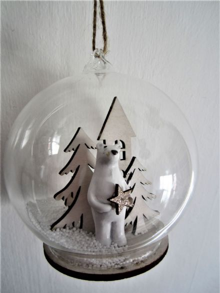 Glass Snowglobe  Winter Wonderland Christmas Tree Decoration ~ Polar Bear
